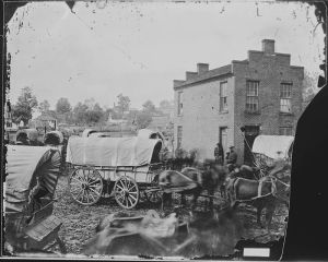 Supplying vs. States Right was just one of the challenges the Confederacy encountered because of their government ideas.