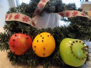 Christmas Clove Decorated Fruit